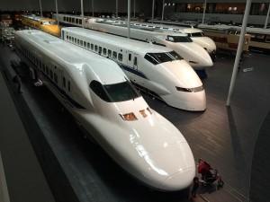 新幹線の種類:N700系、700系、N700A