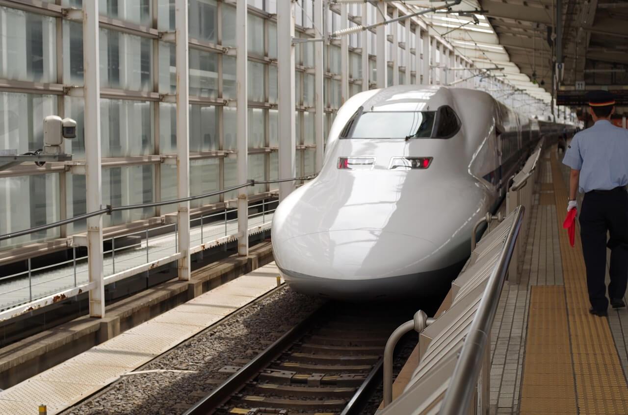新幹線に子どもが無料で乗れる年齢