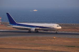 東京ー大阪間の移動手段が飛行機の場合