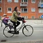 自転車に乗るときは子どもにヘルメットを着用させないと罰則がある!?