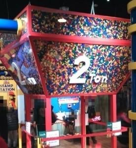 2トンのレゴブロック