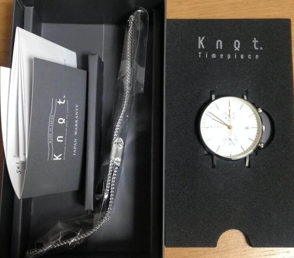 knot(ノット)が届いた箱の中身(時計とベルトと保証書)
