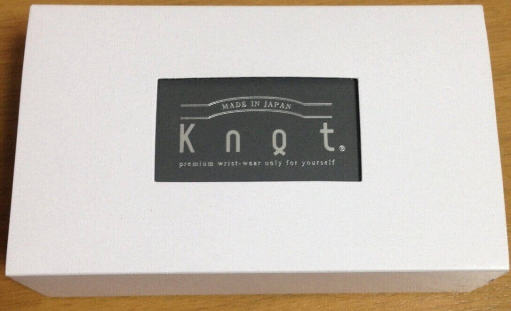 knotの時計が届く時の包装