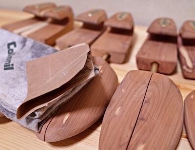シューキーパーをやすりで削る方法